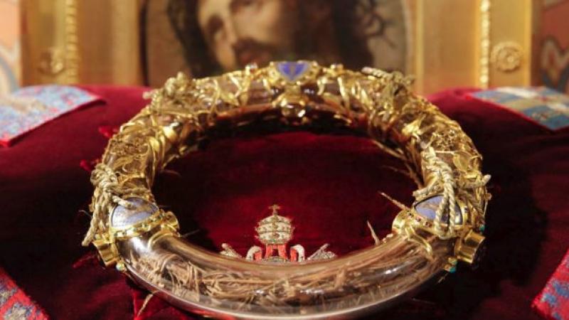 Imagini pentru coroana cu spini, notre dame