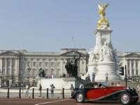 3.000 euro pe lună pentru cine va fi angajat să întoarcă ceasurile reginei Elisabeta a II-a