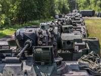 4.000 de militari NATO intră azi în România. Drumurile, pline de coloane militare