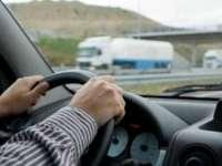 A urcat la volan deși nu deține permis, a provocat un accident soldat cu o victimă și a părăsit locul faptei