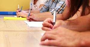 Absolvenții de clasa a VIII-a susțin luni prima probă a evaluării naționale