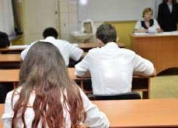 Absolvenții de liceu susțin azi proba la LIMBA MATERNĂ