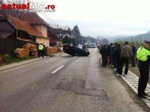 ACCIDENT la BORȘA: Un șofer s-a dat peste cap cu masina pe DN18, o fată de 17 ani fiind rănită