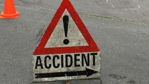 ACCIDENT la Crăciuneşti – Doi răniți în urma impactului dintre un autoturism și o autoutilitară