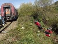 ACCIDENT: Maşină lovită de tren la Nimigea. O persoană şi-a pierdut viaţa iar alte două au ajuns la spital