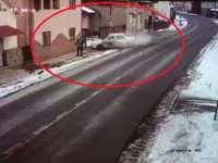 ACCIDENT MORTAL ÎN MOISEI: A pierdut controlul volanului și a omorât un bărbat care circula pe trotuar
