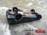 ACCIDENT RUTIER - Doi maramureșeni AU PLONJAT cu mașina în râul Sălăuța de pe DN 17C pe raza comunei Fiad