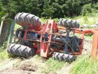 ACCIDENT: Un tractor s-a răsturnat peste o persoană în Poienile Izei