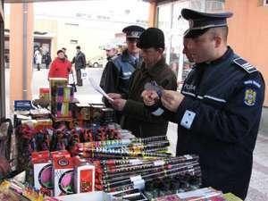 """Acţiunea """"Foc de artificii"""": 145 articole pirotehnice confiscate ieri de poliţişti"""