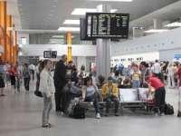 Aeroportul Internațional Cluj Napoca - Pasagerul cu numărul UN MILION din anul 2015 a fost premiat