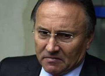 AGENT 007 - Primarul de Iași, Gheorghe Nichita, îşi spiona iubita chiar şi la şedinţele de spiritism
