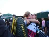 """Alison Van Uytvanck, gest tandru la Wimbledon. Aceasta și-a îmbrățișat iubita, după victoria carierei: """"Nu îmi e rușine, mă bucur că am spus că sunt lesbiană"""""""