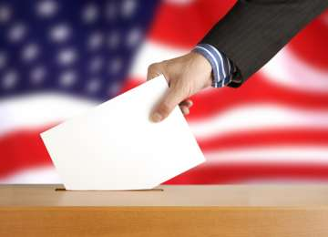 America își alege marți cel de-al 45-lea președinte