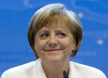 Angela Merkel: Lider mondial şi ... casnică