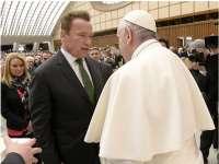 Arnold Schwarzenegger, alături de prietena sa Heather Milligan în audiență la Papa Francisc