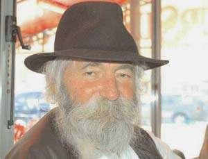 Artistul maramureșean Mihai Olos a murit cu doar câteva zile înainte să împlinească 75 de ani