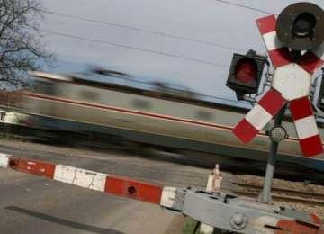 ATENŢIE ŞOFERI semaforul la nivelul cu cale ferată din Hideaga nu funcţionează!