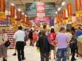 Auchan anunță că îngheaţă preţurile la alimente, în aşteptarea reducerii TVA