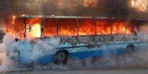 Autobuz în flăcări la urcare spre Pasul Gutâi