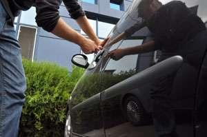 Autoturism furat din Italia identificat în trafic la Vişeu de Sus