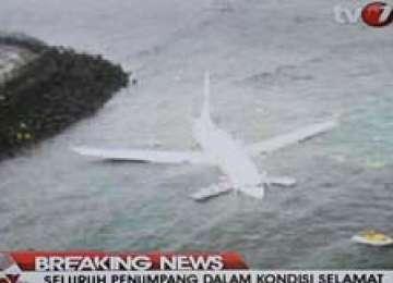 Avion aluneca în mare, în Bali. Mai mult de 100 de pasageri la bord.