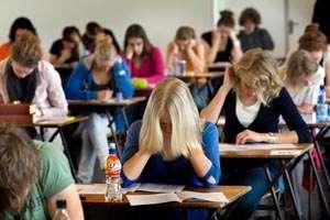 BAC 2013: Peste 10% dintre elevii maramureseni care au incheiat anul acesta studiile liceale nu s-au inscris la bacalaureat