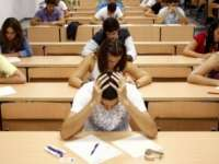 Bacalaureat 2015: Elevii susțin luni proba scrisă la limba română
