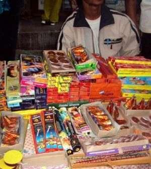 BAIA MARE: Articole pirotehnice comercializate ilegal în Piaţa Izvoarele