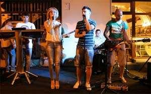 BAIA MARE - Concert al trupei Centru Vechi pe Terasa Millennium
