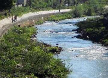 Baia Mare: Un bărbat a căzut în râul Săsar