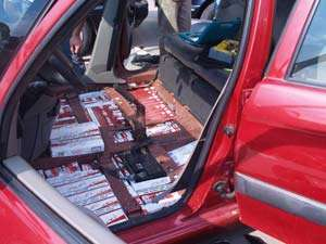 BAIA SPRIE:  Ţigări confiscate şi autoturism indisponibilizat de poliţişti