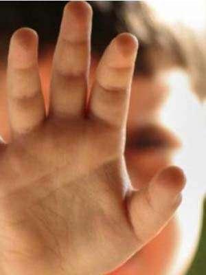 Băiat de 12 ani anchetat pentru că a abuzat sexual un coleg de clasă, la Copalnic Mănăștur