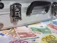 Bani europeni risipiți românește