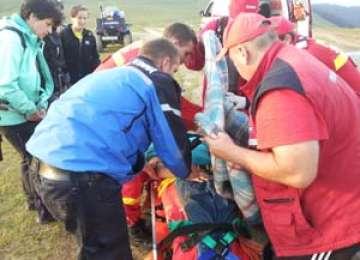 Bărbat accidentat în Munții Rodnei, salvat de jandarmii montani