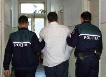Moisei: Un bărbat urmărit internaţional pentru că a ţinut captivă o persoană în Spania a fost arestat de poliţişti