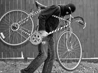 Bărbat prins în flagrant când fura o bicicletă