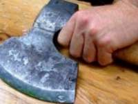Bărbatul din Bocicoiu Mare care și-a ucis cu toporul prietenul de pahar a fost arestat preventiv
