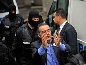 Becali spune că va ataca la CEDO decizia de condamnare la închisoare şi că va cere preşedintelui Băsescu graţierea