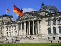 Berlin - Doi turiști, arestați după ce au făcut salutul nazist în fața Reichstagului