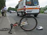 Biciclist accidentat grav de un șofer aflat sub influența băuturilor alcoolice