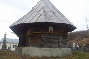 Biserică de lemn, dusă pe ape din Maramureș până în Oltenia