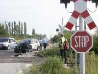 BISTRA - Nu s-a asigurat cu autoturismul la trecerea la nivel cu calea ferată și a fost lovit de trenul Regio Beclean - Sighet