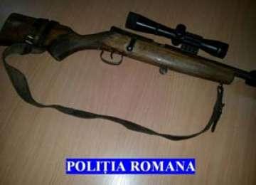 BORŞA: Cercetaţi pentru braconaj cinegetic şi infracţiuni la regimul armelor şi muniţiilor