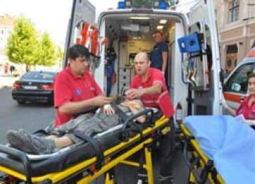BORŞA: Un copil de 8 ani a traversat strada neregulamentar şi a fost accidentat