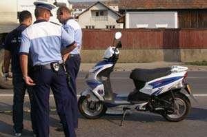BORȘA: Depistat în timp ce conducea un moped deşi nu are permis