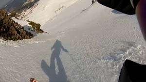 BORȘA - Două persoane surprinse de avalanșă. Una este grav rănită