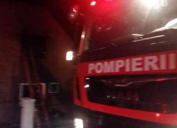 BORȘA - Incendiu izbucnit la un șopron