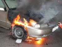 BORȘA - Poliţiştii au identificat piromanul care a provocat incendii la două autoturisme