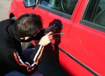 BORȘA: Tânăr de 23 de ani bănuit de furtul unui autoturism
