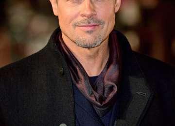 """Brad Pitt a oferit o sumă uriașă pentru a vedea un episod din """"Game of Thrones"""" alături de Emilia Clarke"""